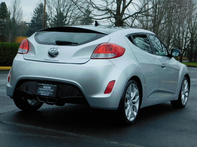 2012 Hyundai Veloster 3 DR / HatchBack / 6-SPEED MANUAL / PANO ROOF - Photo 8 - Portland, OR 97217