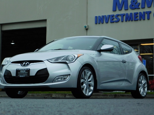 2012 Hyundai Veloster 3 DR / HatchBack / 6-SPEED MANUAL / PANO ROOF - Photo 45 - Portland, OR 97217
