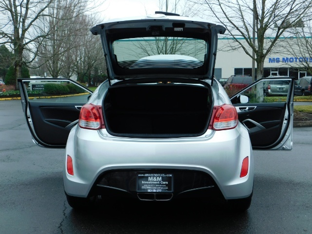 2012 Hyundai Veloster 3 DR / HatchBack / 6-SPEED MANUAL / PANO ROOF - Photo 27 - Portland, OR 97217