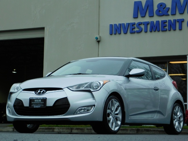 2012 Hyundai Veloster 3 DR / HatchBack / 6-SPEED MANUAL / PANO ROOF - Photo 43 - Portland, OR 97217