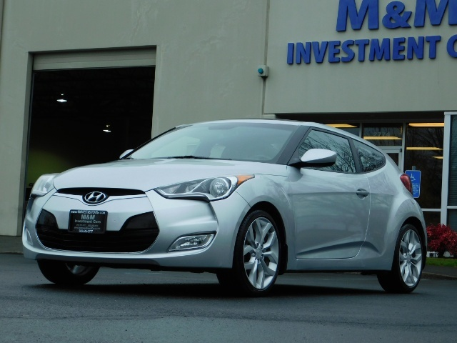 2012 Hyundai Veloster 3 DR / HatchBack / 6-SPEED MANUAL / PANO ROOF - Photo 47 - Portland, OR 97217