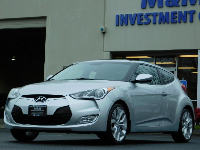 2012 Hyundai Veloster 3 DR / HatchBack / 6-SPEED MANUAL / PANO ROOF - Photo 44 - Portland, OR 97217