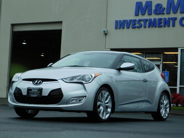2012 Hyundai Veloster 3 DR / HatchBack / 6-SPEED MANUAL / PANO ROOF - Photo 1 - Portland, OR 97217