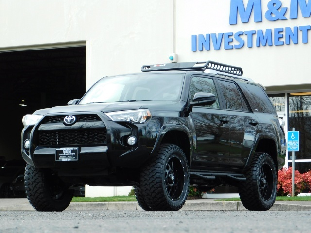 "2016 Toyota 4Runner 4X4 V6 / NAVi / CAM / 20 "" XD's / WARRANTY / LIFTED - Photo 42 - Portland, OR 97217"