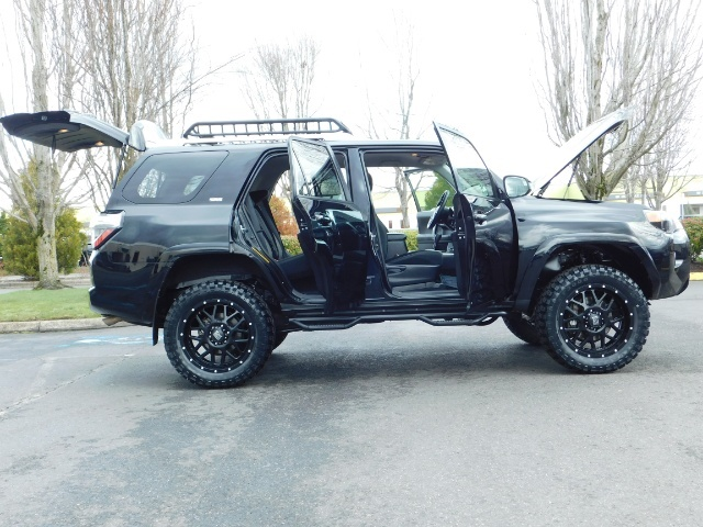 "2016 Toyota 4Runner 4X4 V6 / NAVi / CAM / 20 "" XD's / WARRANTY / LIFTED - Photo 22 - Portland, OR 97217"