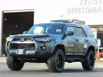 2016 Toyota 4Runner SR5 / 4X4 / Nav / Backup/ LIFTED LIFTED / Execl Co SUV