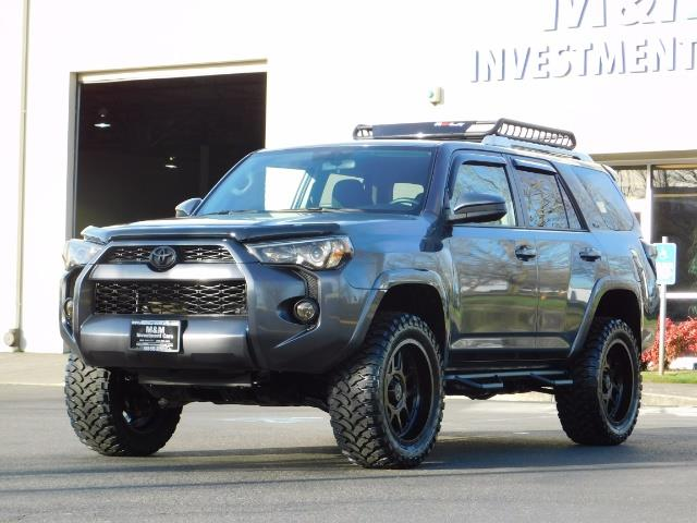 2016 Toyota 4Runner SR5 / 4X4 / Nav / Backup/ LIFTED LIFTED / Execl Co - Photo 42 - Portland, OR 97217