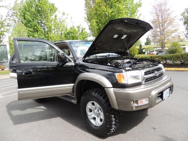 1999 Toyota 4Runner Limited 4WD / V6 / Leather / Sunroof / LIFTED - Photo 39 - Portland, OR 97217