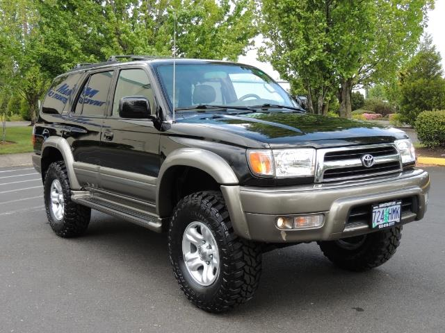 1999 Toyota 4Runner Limited 4WD / V6 / Leather / Sunroof / LIFTED - Photo 2 - Portland, OR 97217