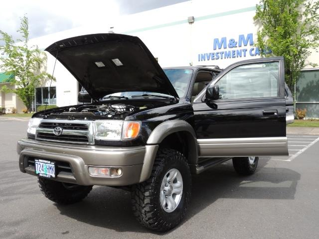 1999 Toyota 4Runner Limited 4WD / V6 / Leather / Sunroof / LIFTED - Photo 33 - Portland, OR 97217