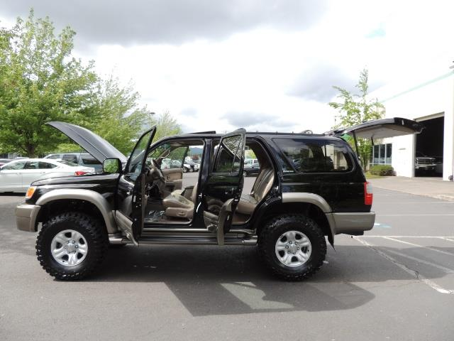 1999 Toyota 4Runner Limited 4WD / V6 / Leather / Sunroof / LIFTED - Photo 34 - Portland, OR 97217