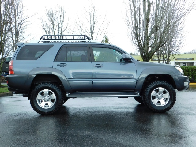 2004 Toyota 4Runner LIMITED / 4X4 / V8 / NAVi / LEATHER / LIFTED !! - Photo 4 - Portland, OR 97217