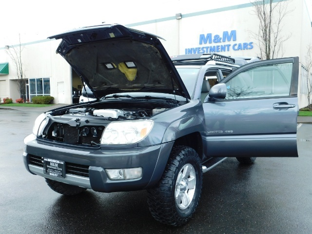2004 Toyota 4Runner LIMITED / 4X4 / V8 / NAVi / LEATHER / LIFTED !! - Photo 25 - Portland, OR 97217