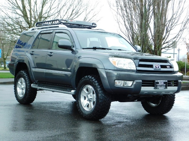 2004 Toyota 4Runner LIMITED / 4X4 / V8 / NAVi / LEATHER / LIFTED !! - Photo 2 - Portland, OR 97217