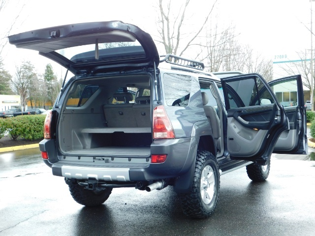 2004 Toyota 4Runner LIMITED / 4X4 / V8 / NAVi / LEATHER / LIFTED !! - Photo 29 - Portland, OR 97217