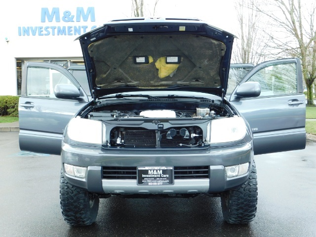 2004 Toyota 4Runner LIMITED / 4X4 / V8 / NAVi / LEATHER / LIFTED !! - Photo 31 - Portland, OR 97217