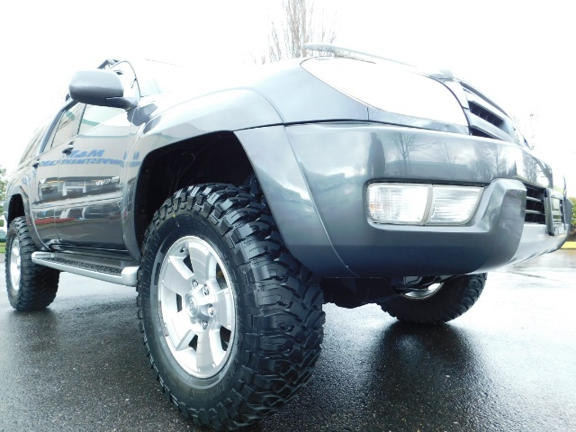 2004 Toyota 4Runner LIMITED / 4X4 / V8 / NAVi / LEATHER / LIFTED !! - Photo 12 - Portland, OR 97217