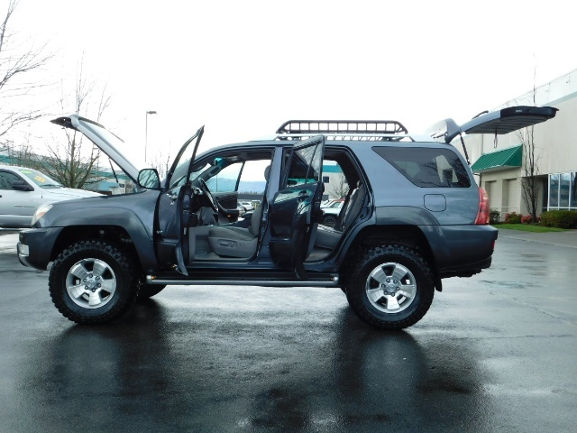2004 Toyota 4Runner LIMITED / 4X4 / V8 / NAVi / LEATHER / LIFTED !! - Photo 22 - Portland, OR 97217