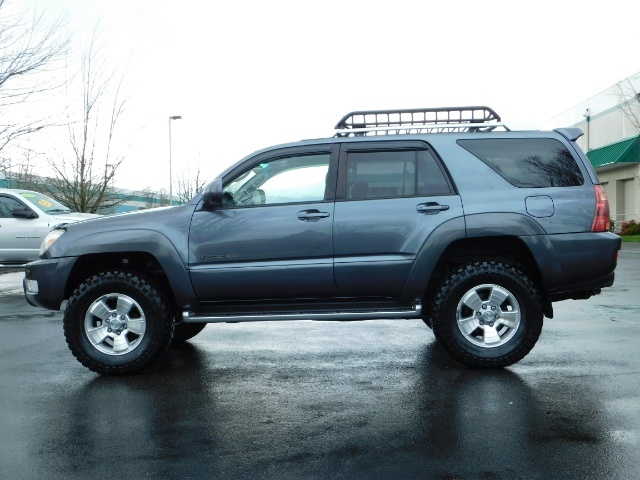 2004 Toyota 4Runner LIMITED / 4X4 / V8 / NAVi / LEATHER / LIFTED !! - Photo 3 - Portland, OR 97217