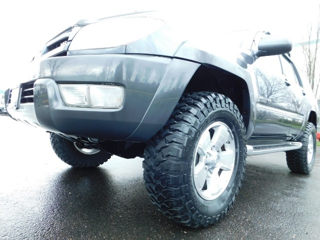 2004 Toyota 4Runner LIMITED / 4X4 / V8 / NAVi / LEATHER / LIFTED !! - Photo 9 - Portland, OR 97217