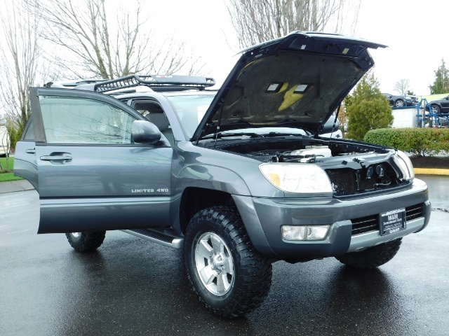 2004 Toyota 4Runner LIMITED / 4X4 / V8 / NAVi / LEATHER / LIFTED !! - Photo 30 - Portland, OR 97217