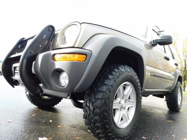 2003 Jeep Liberty Sport Utility 4X4 / V6 3.7L / LIFTED - Photo 9 - Portland, OR 97217
