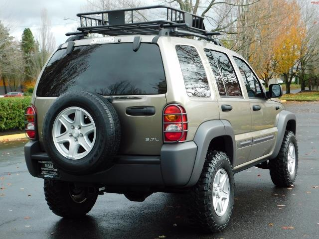2003 Jeep Liberty Sport Utility 4X4 / V6 3.7L / LIFTED - Photo 8 - Portland, OR 97217