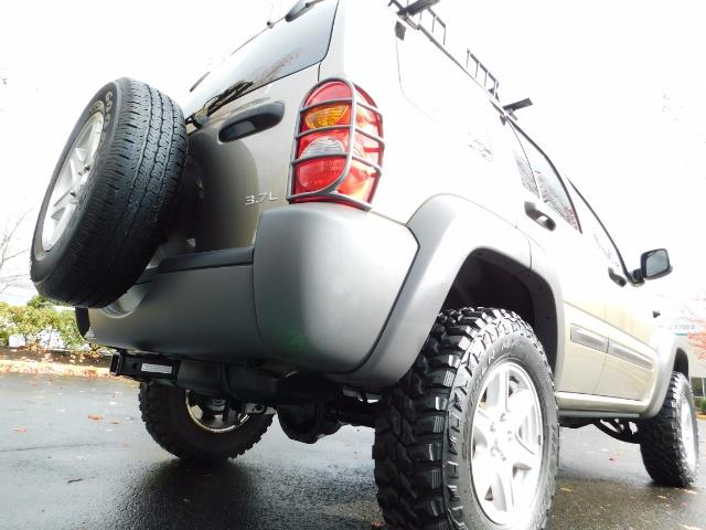 2003 Jeep Liberty Sport Utility 4X4 / V6 3.7L / LIFTED - Photo 12 - Portland, OR 97217