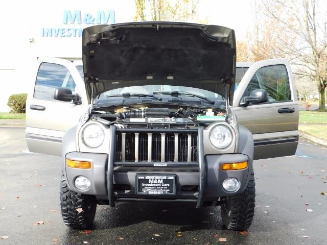 2003 Jeep Liberty Sport Utility 4X4 / V6 3.7L / LIFTED - Photo 33 - Portland, OR 97217