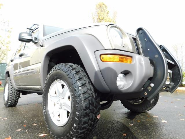 2003 Jeep Liberty Sport Utility 4X4 / V6 3.7L / LIFTED - Photo 10 - Portland, OR 97217