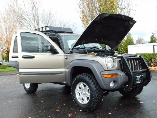 2003 Jeep Liberty Sport Utility 4X4 / V6 3.7L / LIFTED - Photo 32 - Portland, OR 97217
