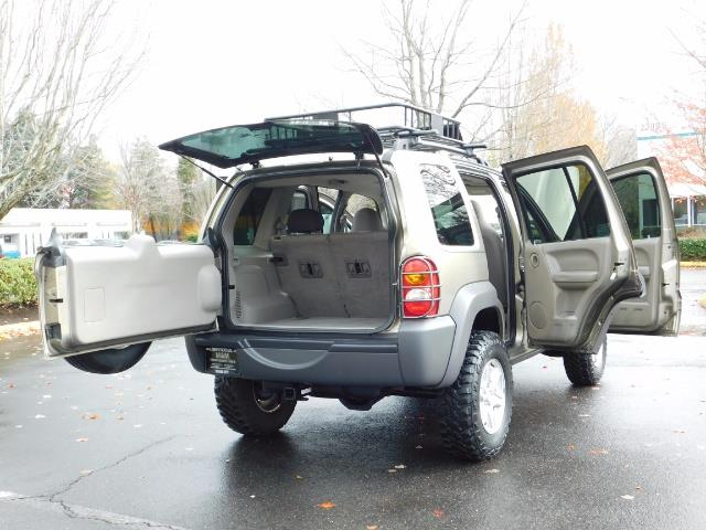 2003 Jeep Liberty Sport Utility 4X4 / V6 3.7L / LIFTED - Photo 20 - Portland, OR 97217