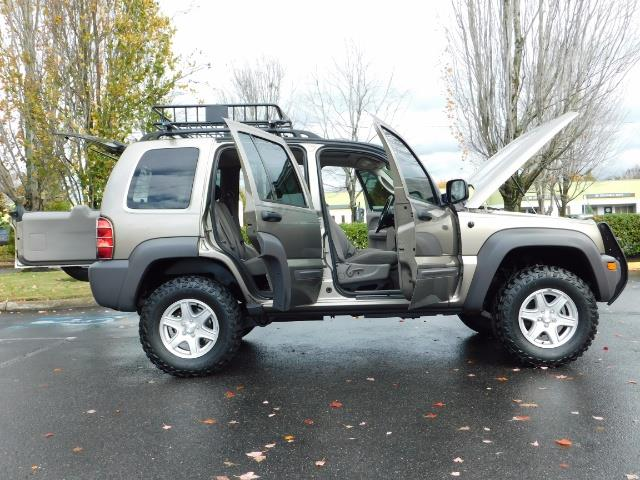 2003 Jeep Liberty Sport Utility 4X4 / V6 3.7L / LIFTED - Photo 22 - Portland, OR 97217
