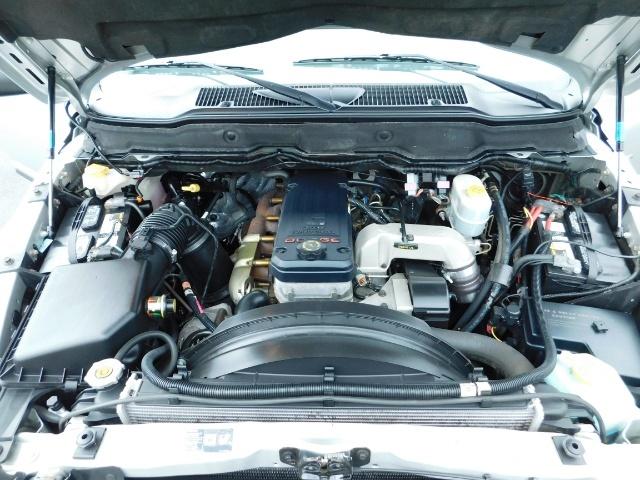 2004 Dodge Ram 2500 SLT 4X4 5.9L Cummins Diesel / LIFTED / 1-OWNER - Photo 36 - Portland, OR 97217