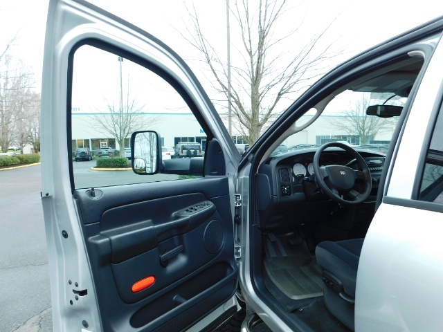 2004 Dodge Ram 2500 SLT 4X4 5.9L Cummins Diesel / LIFTED / 1-OWNER - Photo 13 - Portland, OR 97217