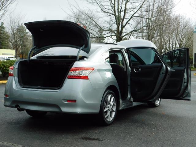 2013 Nissan Sentra SR / Navigation / Backup / Sunroof / 1-OWNER - Photo 30 - Portland, OR 97217