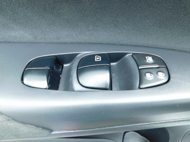 2013 Nissan Sentra SR / Navigation / Backup / Sunroof / 1-OWNER - Photo 35 - Portland, OR 97217