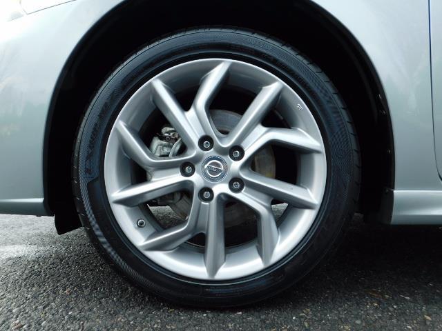2013 Nissan Sentra SR / Navigation / Backup / Sunroof / 1-OWNER - Photo 23 - Portland, OR 97217