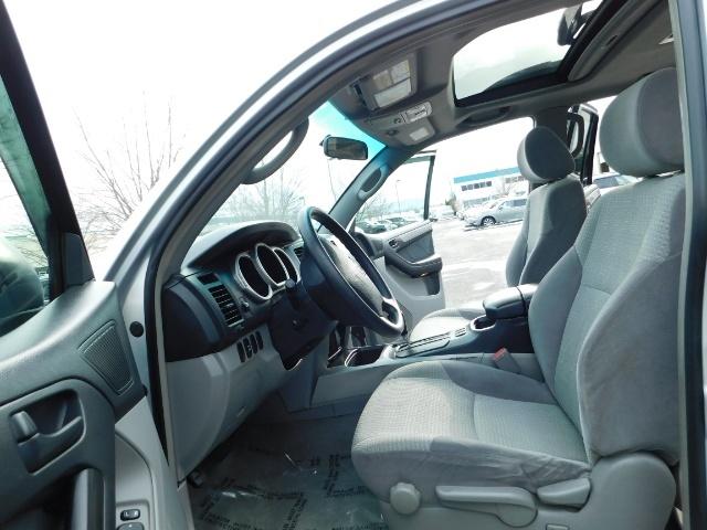 2003 Toyota 4Runner SR5 V6 4.0L / 4X4 / DIFF LOCK / LIFTED !! - Photo 14 - Portland, OR 97217