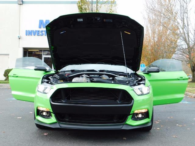 2015 Ford Mustang GT Premium / 6-SPEED / ONE OF A KIND / 16K MILES - Photo 36 - Portland, OR 97217