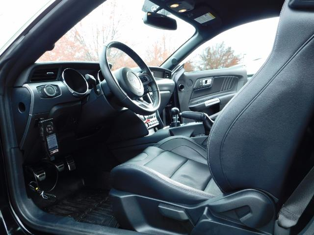 2015 Ford Mustang GT Premium / 6-SPEED / ONE OF A KIND / 16K MILES - Photo 16 - Portland, OR 97217