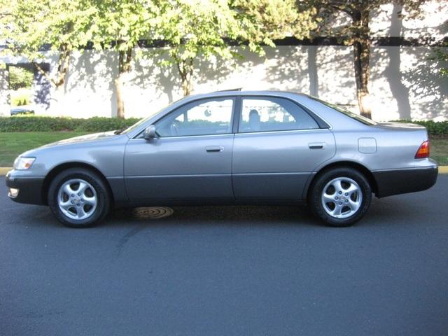 1997 Lexus ES 300 / Leather/ Heated seats/ Loaded