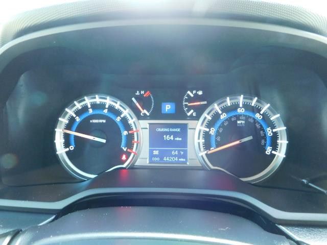 2016 Toyota 4Runner SR5 / 4WD / Navigation / backup camera / LIFTED - Photo 27 - Portland, OR 97217