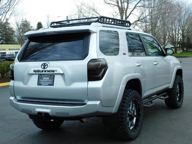 2016 Toyota 4Runner SR5 / 4WD / Navigation / backup camera / LIFTED - Photo 10 - Portland, OR 97217