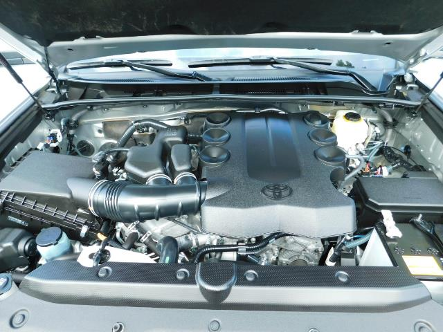 2016 Toyota 4Runner SR5 / 4WD / Navigation / backup camera / LIFTED - Photo 38 - Portland, OR 97217