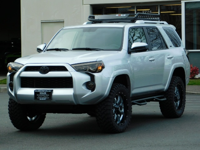 2016 Toyota 4Runner SR5 / 4WD / Navigation / backup camera / LIFTED - Photo 51 - Portland, OR 97217