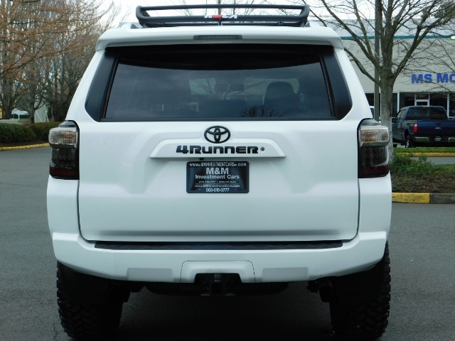 2016 Toyota 4Runner SR5 / 4WD / Navi / LIFTED /  WHEELS TIRES CUSTOM - Photo 6 - Portland, OR 97217