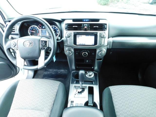 2016 Toyota 4Runner SR5 / 4WD / Navi / LIFTED /  WHEELS TIRES CUSTOM - Photo 21 - Portland, OR 97217