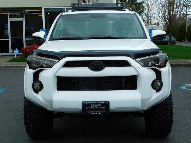 2016 Toyota 4Runner SR5 / 4WD / Navi / LIFTED /  WHEELS TIRES CUSTOM - Photo 5 - Portland, OR 97217