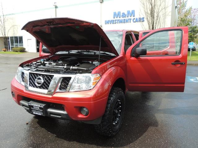 2016 Nissan Frontier SV / 4X4 / Crew Cab / 6Cyl / LIFTED LIFTED - Photo 25 - Portland, OR 97217